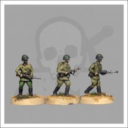 Red Army riflemen skirmishing