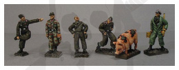 1943-45 Summer foraging panzer crew 1:72