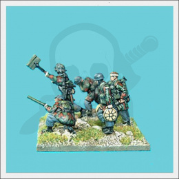 Fallschirmjager pioneers with flamethrower 1:72